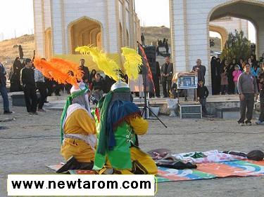 اجرای نمایش تعزیه حربن یزید ریاحی در مزار شهدای شهر آب بر